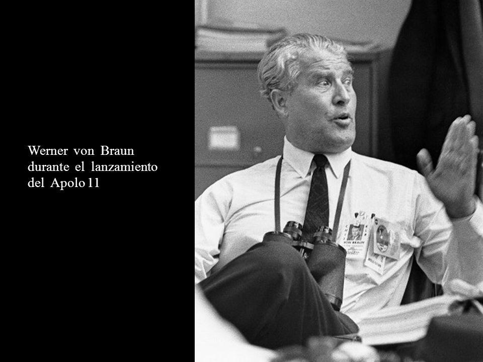 Werner von Braun durante el lanzamiento del Apolo 11