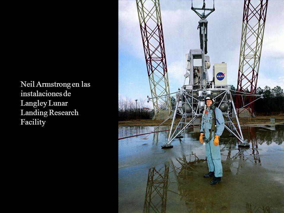Neil Armstrong en las instalaciones de Langley Lunar Landing Research Facility