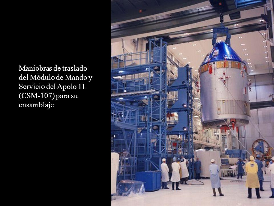 Maniobras de traslado del Módulo de Mando y Servicio del Apolo 11 (CSM-107) para su ensamblaje