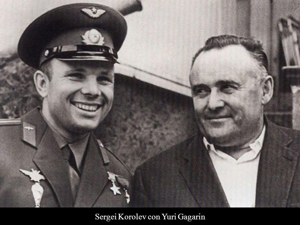 Sergei Korolev con Yuri Gagarin