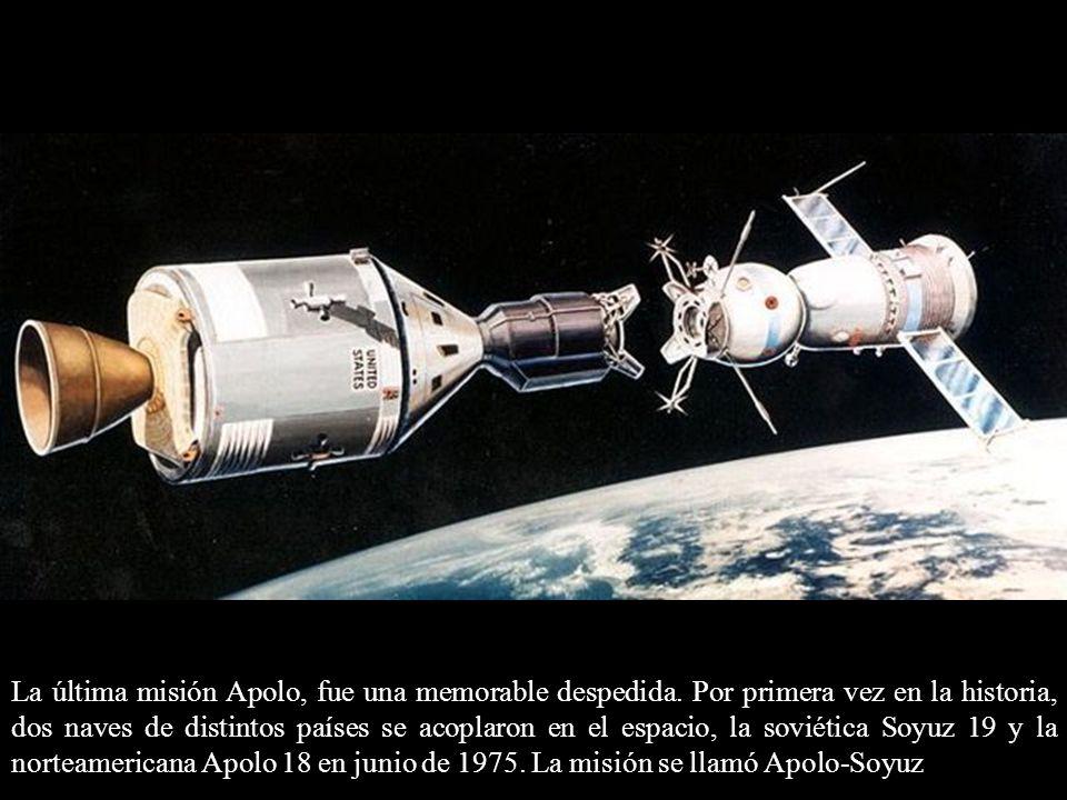 La última misión Apolo, fue una memorable despedida. Por primera vez en la historia, dos naves de distintos países se acoplaron en el espacio, la sovi