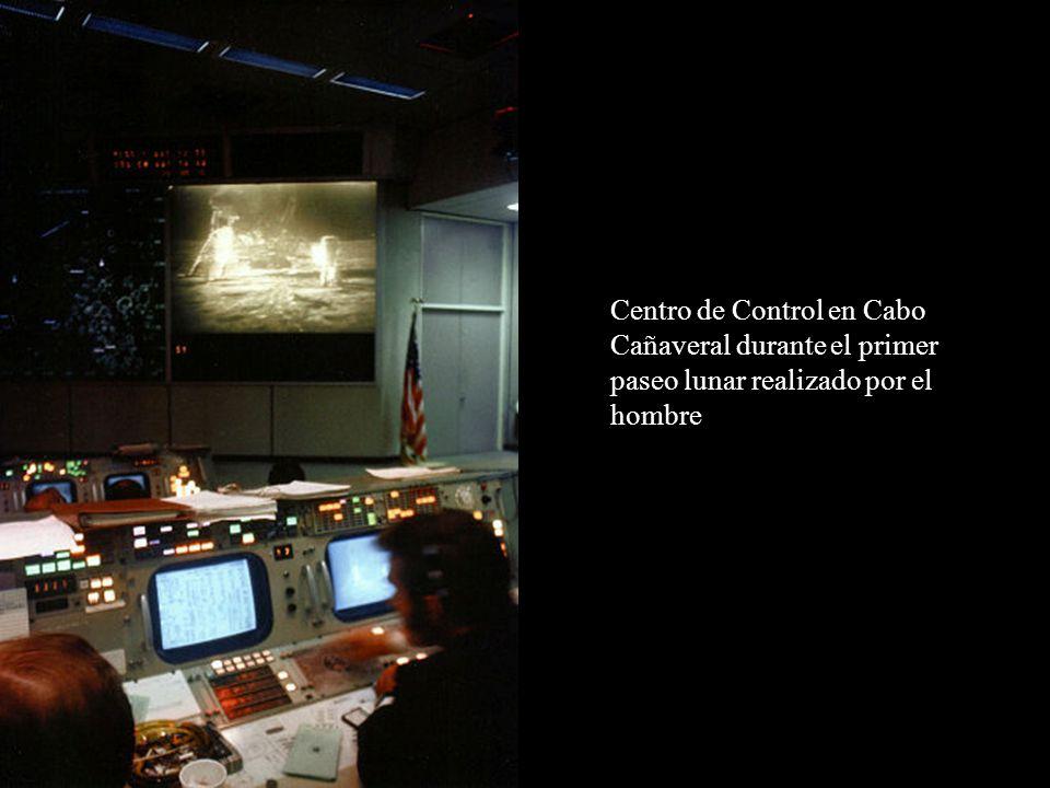 Centro de Control en Cabo Cañaveral durante el primer paseo lunar realizado por el hombre