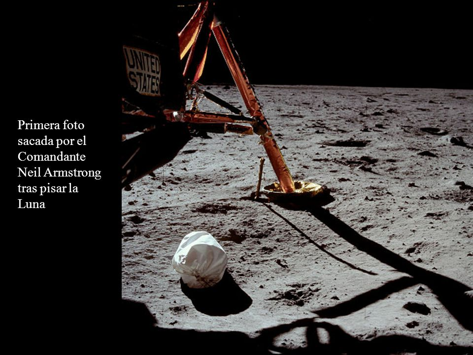El módulo lunar con la Tierra al fondo