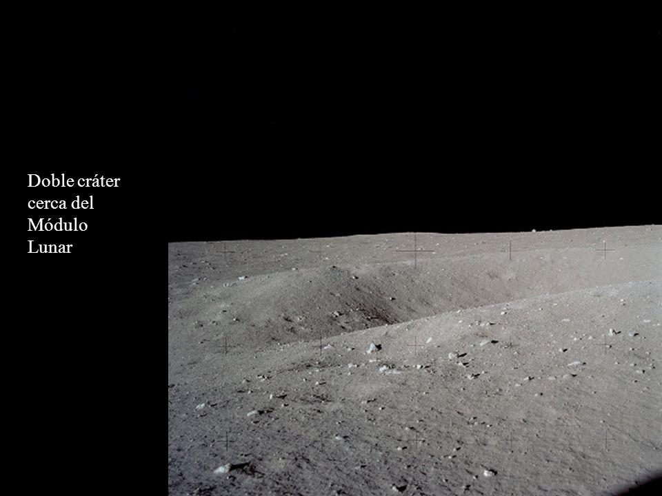 Doble cráter cerca del Módulo Lunar