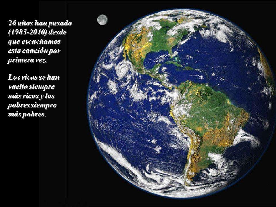 We are the world, we are the children Nosotros somos el mundo, nosotros somos los niños We are the ones who make a brighter day Nosotros somos quienes hacemos un día más soleado, So lets start giving así que empecemos a dar.