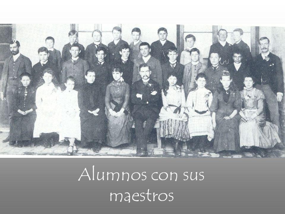 Alumnos con sus maestros