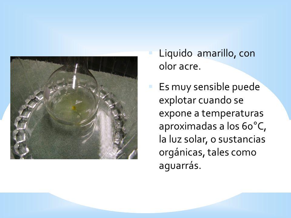 Liquido amarillo, con olor acre. Es muy sensible puede explotar cuando se expone a temperaturas aproximadas a los 60°C, la luz solar, o sustancias org