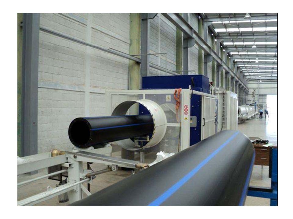 Posibilidades de la instalación Presión inicial (bombas en serie): 8 kg / cm 2 (80 m) Caudal máximo (bombas en paralelo): 20 lt / s Velocidades para 20 lt/s:2.50 m/s RD 17 2.15 m/s RD 41 Los transitorios se producen mediante el cierre manual de una de las válvulas que se encuentran al inicio o al final de la conducción
