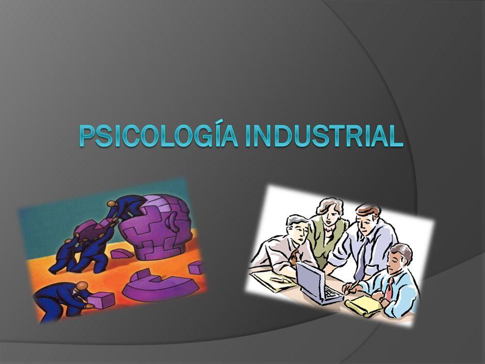 Discusión: Se realizaron seis entrevistas a diferentes psicólogas industriales de acuerdo al marco teórico se obtuvo que solo cuatro de las psicólogas si se apegaban a la actividad que realiza un psicólogo industrial es decir el reclutamiento, capacitación y selección del personal.