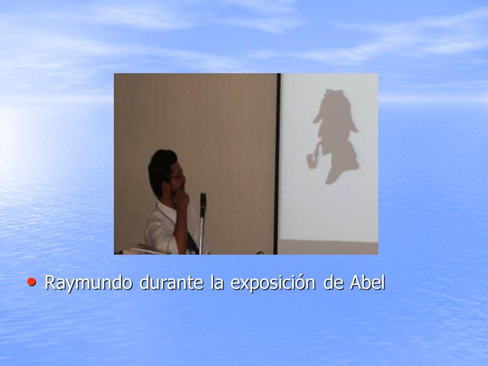 Raymundo durante la exposición de Abel Raymundo durante la exposición de Abel