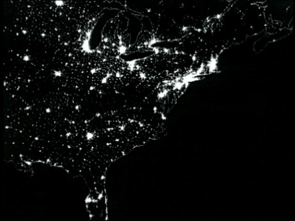Evento de Protones Solares Partículas de alta energía Tiempo de Arribo: de 15 mins a algunas horas Duración: varios días Efectos: Carga dieléctrica profunda Absorción HF Interrupción de señales de baja frecuencia Peligro de Radiación Usuarios: operadores de satélites, administradores de HF, aviación comercial, marinos, astronautas...