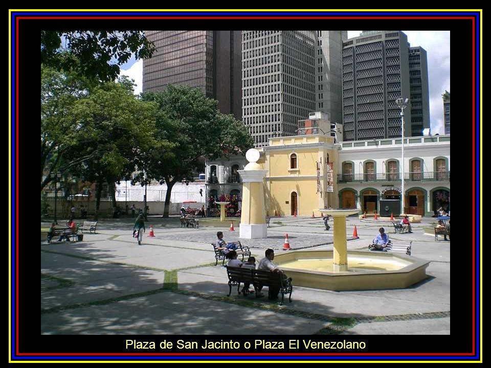 Obelisco de la Plaza Francia o Plaza Altamira