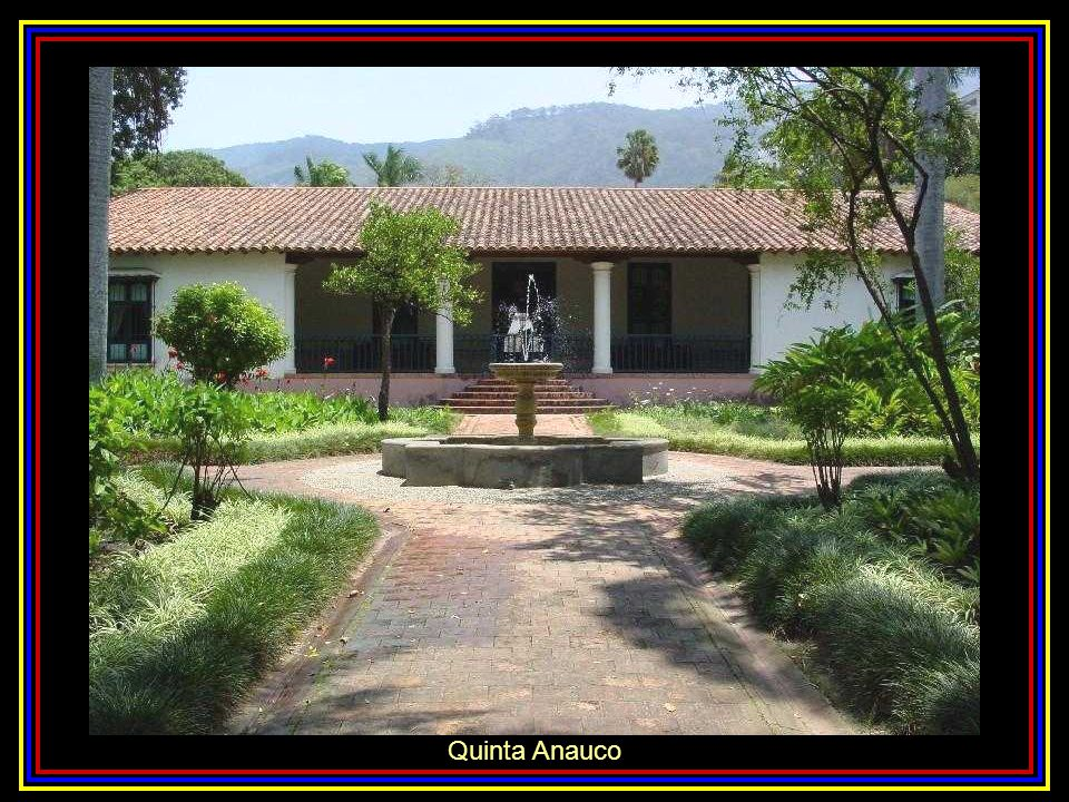 Fachada de la sede del Museo Bolivariano