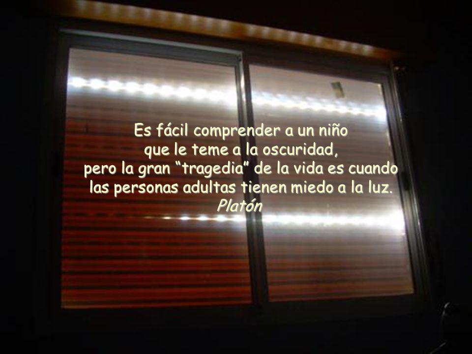 Un pps de Asun Gutierrez en www.vitanoblepowerpoints.net La gratitud prepara el camino. Siéntanse tan agradecidos a la existencia como les sea posible