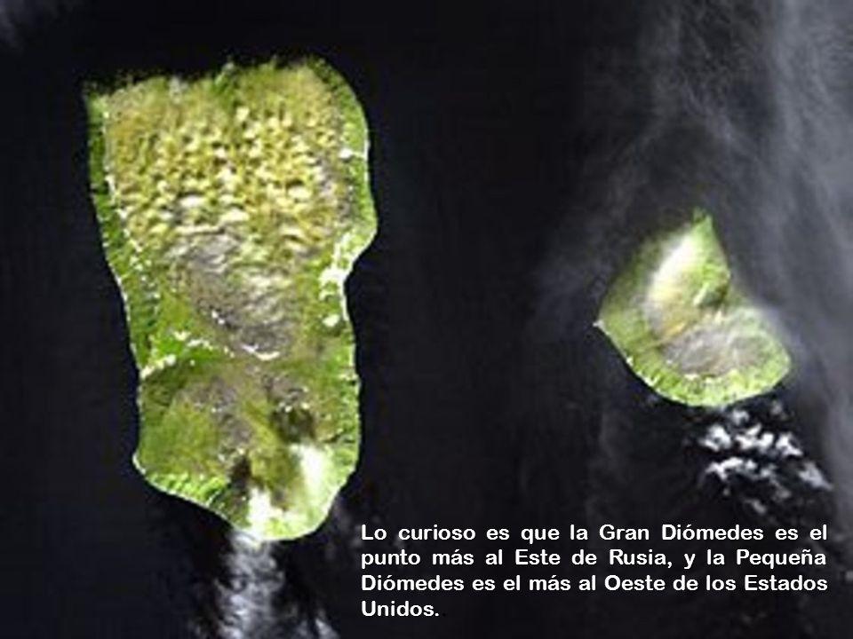www.vitanoblepowerpoints.net Hay en ese lugar dos islas, conocidas como Gran Diómedes y Pequeña Diómedes, que están separadas por un estrecho de 3.700