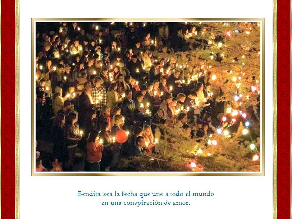 La Navidad está por encima de los adornos, la nieve, el árbol, la chimenea, etc. La Navidad es el calor que vuelve al corazón de las personas, la gene