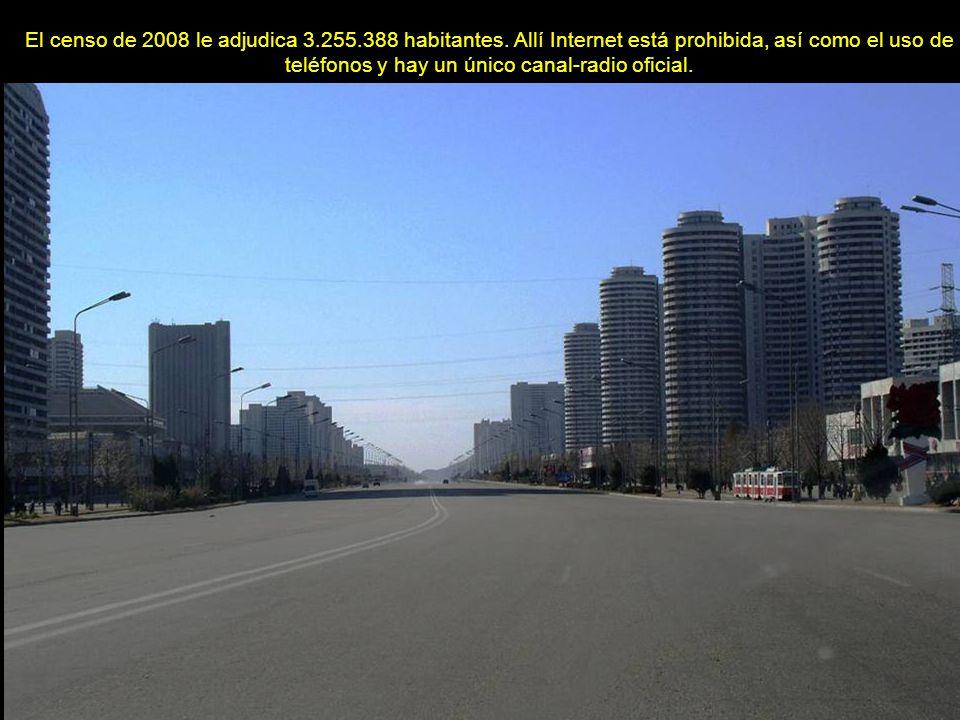 www.vitanoblepowerpoints.net Según leyendas, Pyongyang se fundó en el 2333 a.C.