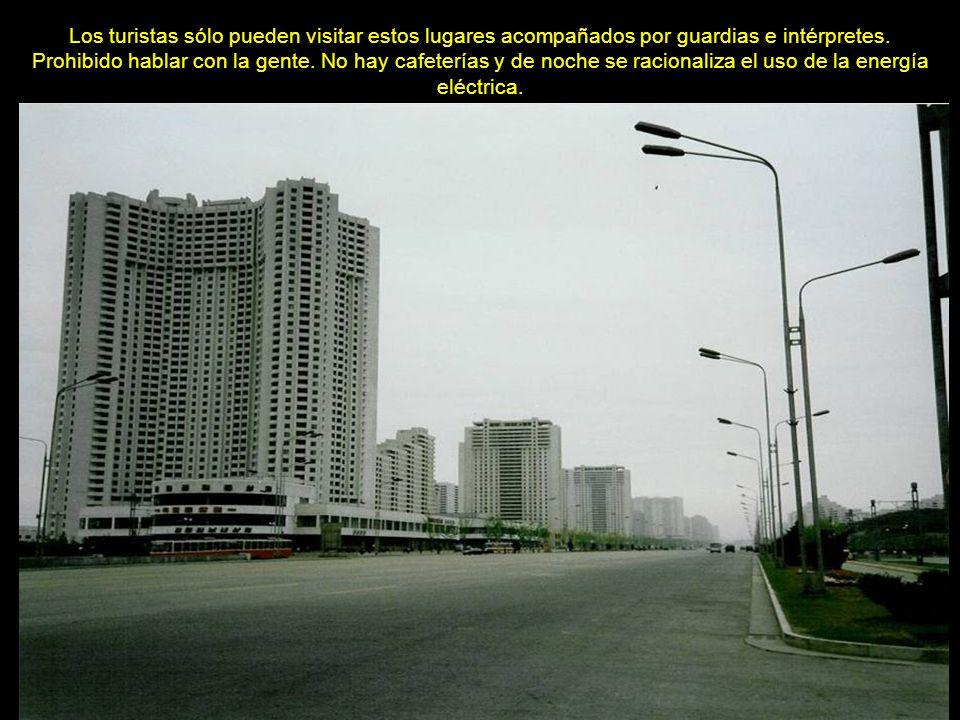 www.vitanoblepowerpoints.net El censo de 2008 le adjudica 3.255.388 habitantes.