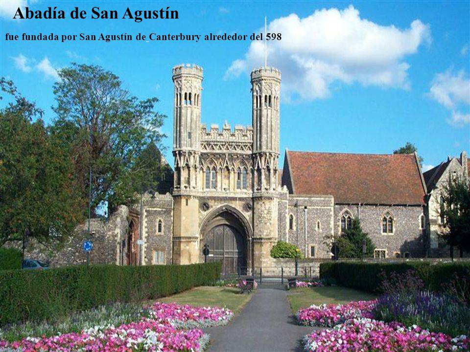 Abadía de Fountains (son las ruinas de un monasterio cisterciense, fundado en1132).