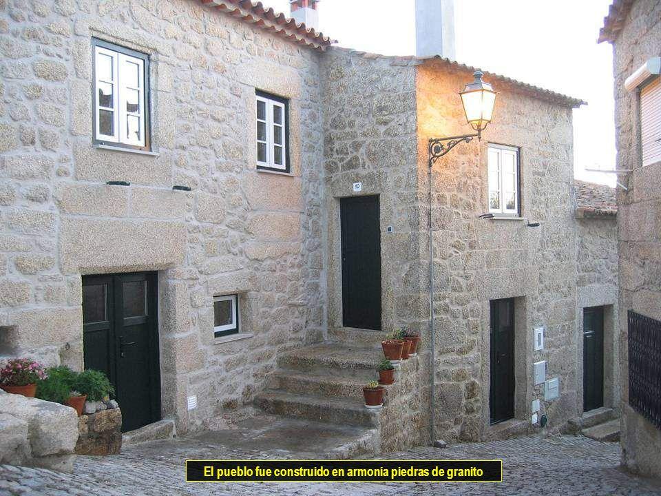 Vitanoblepowerpoints.net El pueblo fue construido en armonía piedras de granito