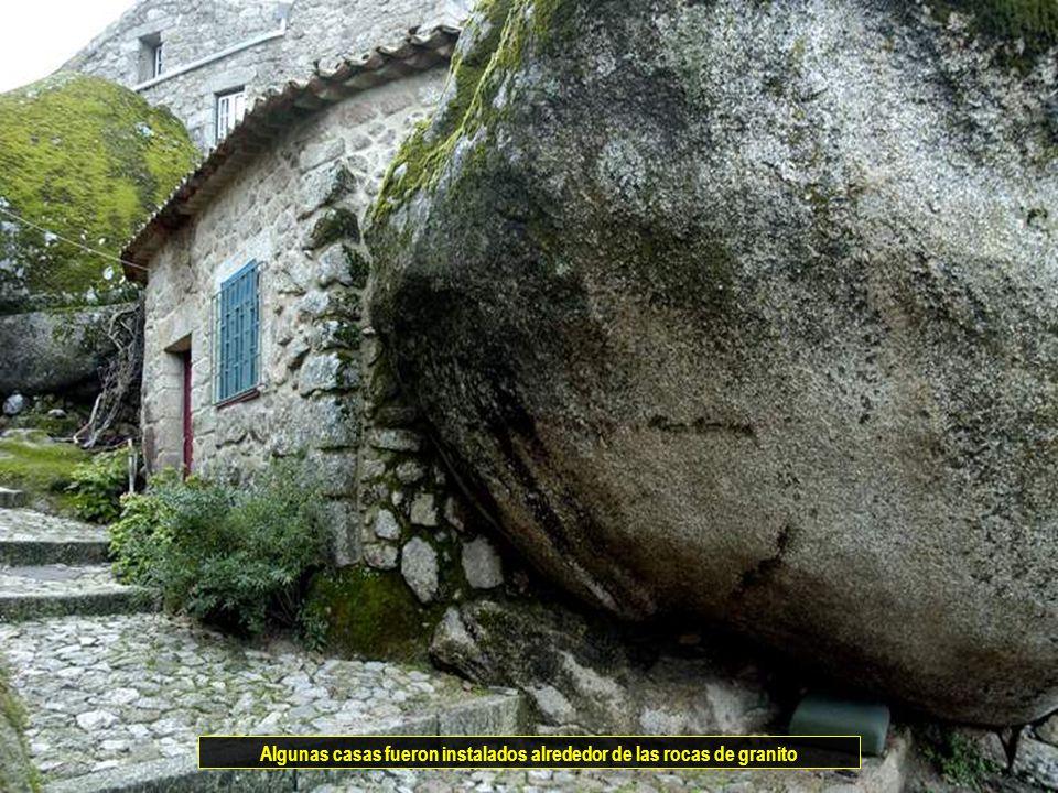Vitanoblepowerpoints.net Algunas casas fueron instalados alrededor de las rocas de granito