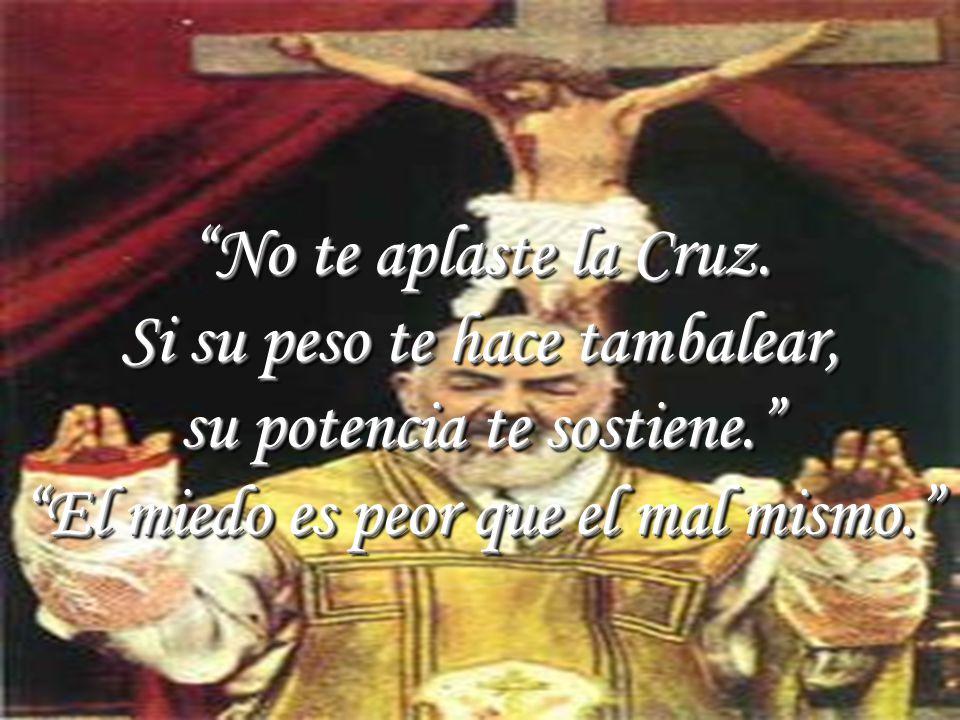 www.vitanoblepowerpoints.net La Cruz es la bandera de los elegidos. No nos separemos de ella y cantaremos victoria en toda batalla. Caminad entre vien