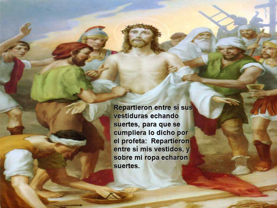 Llegando al sitio llamado de la Calavera, donde lo crucificarían; cae Jesús por tercera vez.