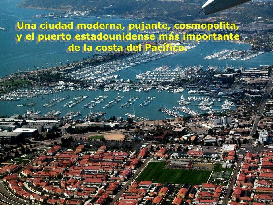 Una ciudad moderna, pujante, cosmopolita, y el puerto estadounidense más importante de la costa del Pacífico.