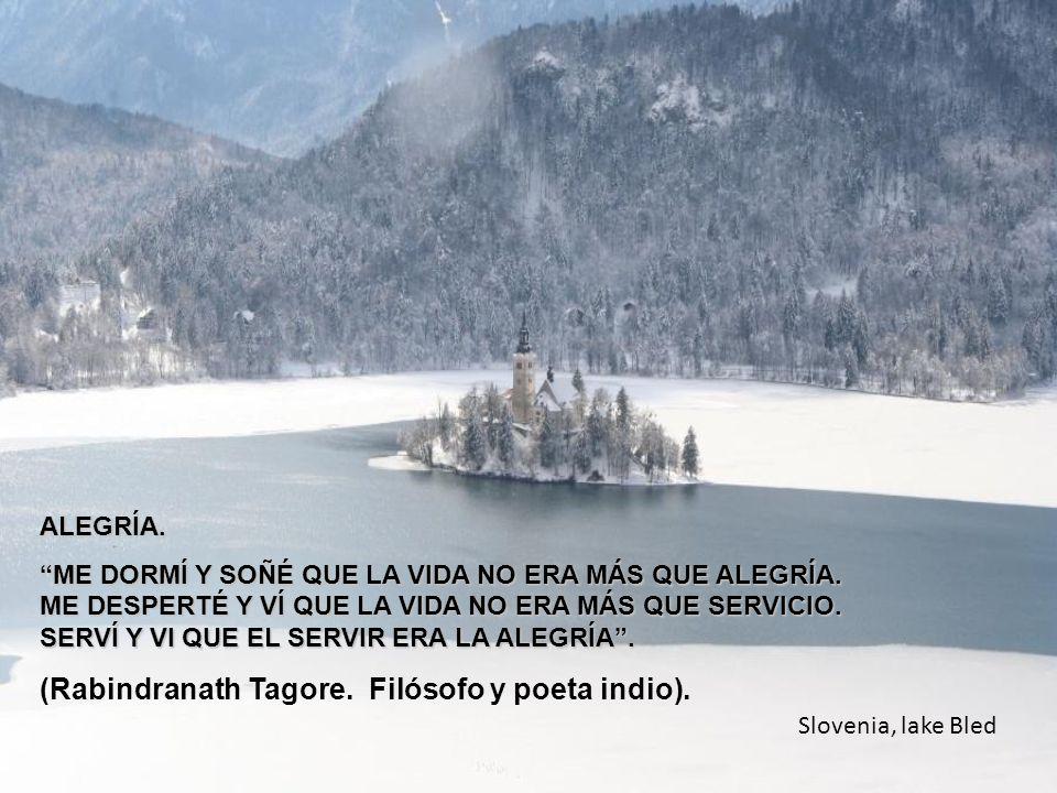 www.vitanoblepowerpoints.net Castlevecchio, Italy MIRA QUE TE MIRA DIOS, MIRA QUE TE ESTÁ MIRANDO, MIRA QUE HAS DE MORIR, MIRA QUE NO SABES CUÁNDO