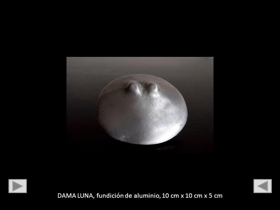DAMA LUNA, fundición de aluminio, 10 cm x 10 cm x 5 cm