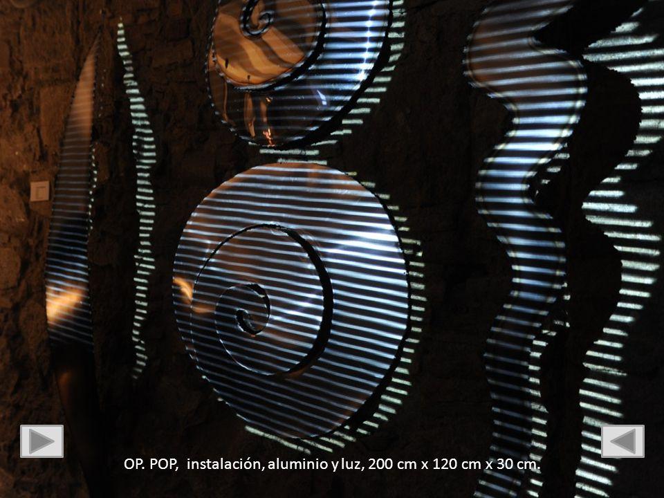 OP. POP, instalación, aluminio y luz, 200 cm x 120 cm x 30 cm.