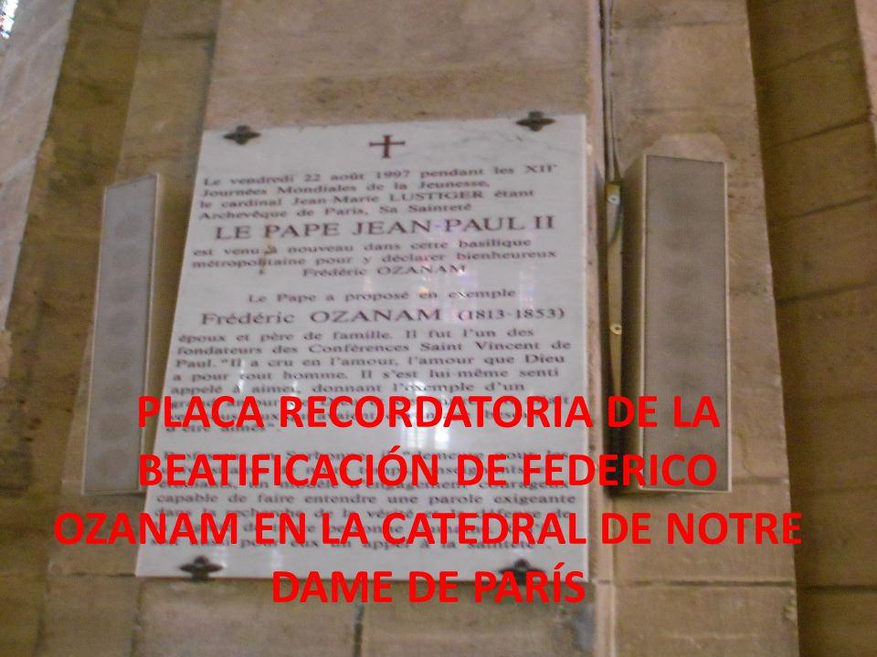 PLACA RECORDATORIA DE LA BEATIFICACIÓN DE FEDERICO OZANAM EN LA CATEDRAL DE NOTRE DAME DE PARÍS