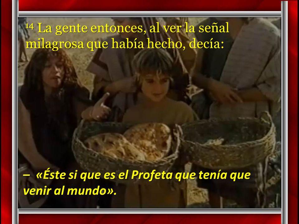 13 Los recogieron, y llenaron doce canastas con los pedazos que sobraron de los cinco panes de cebada.