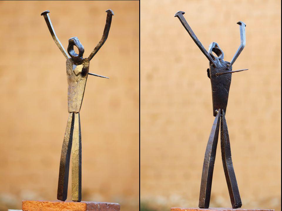 Y sobre todo, gracias a Ignacio Munitiz, mi cuñado, y José Ayma, mi amigo, que han hecho las fotos de forma desinteresada, para que yo pueda presentarme, y enseñarte mis esculturas.