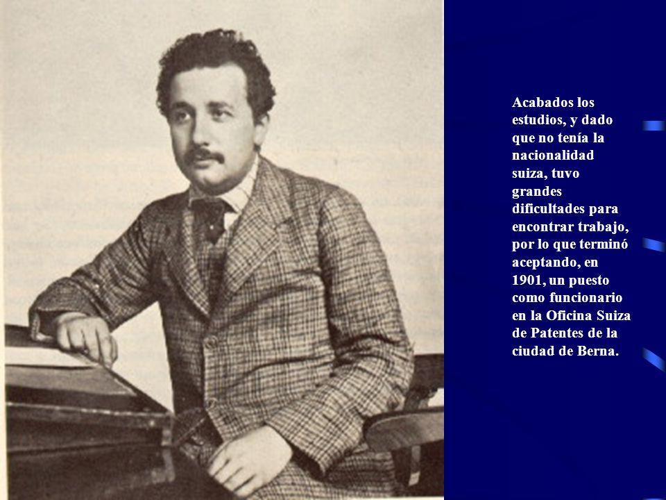 Los estudios teóricos que llevaba a cabo mientras tanto dieron sus primeros frutos en 1905, con la publicación de cinco de sus trabajos, todos ellos de gran importancia para el desarrollo de la física del siglo XX