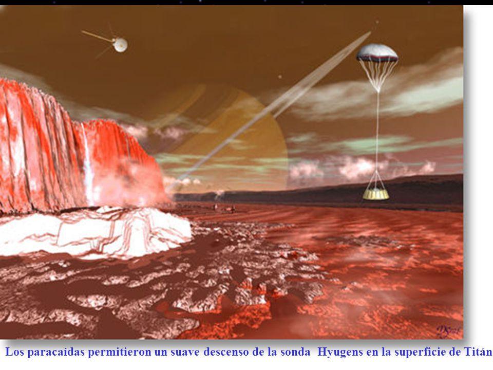 Los paracaídas permitieron un suave descenso de la sonda Hyugens en la superficie de Titán