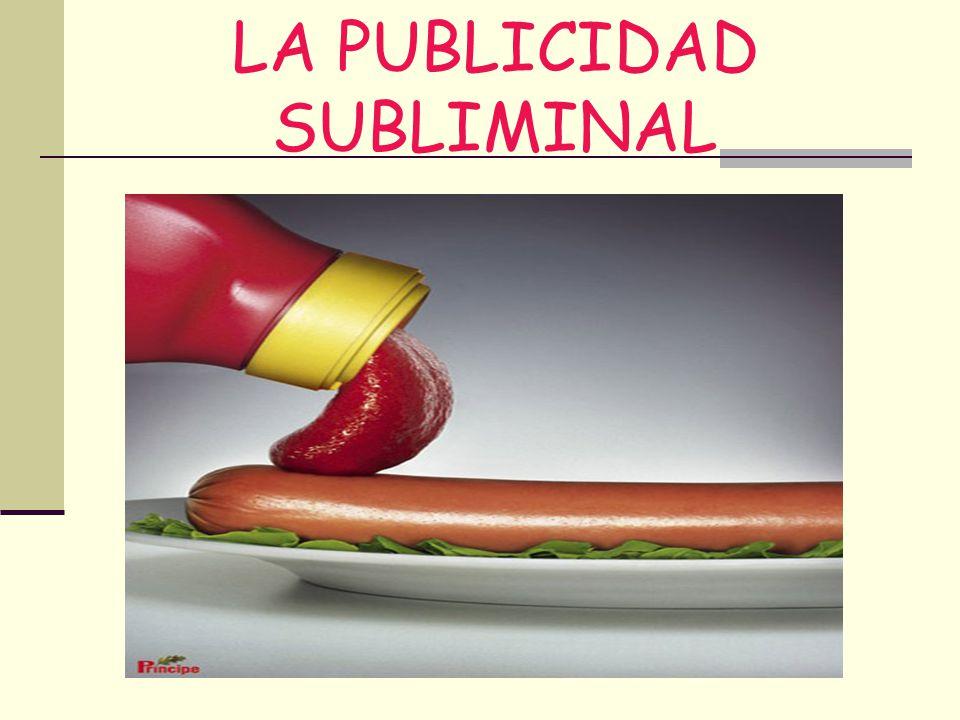 PARTIDOS POLÍTICOS Detrás del presentador de noticias Alfredo Urdaci aparece propaganda del Partido Popular (PP) en época de campaña electoral.