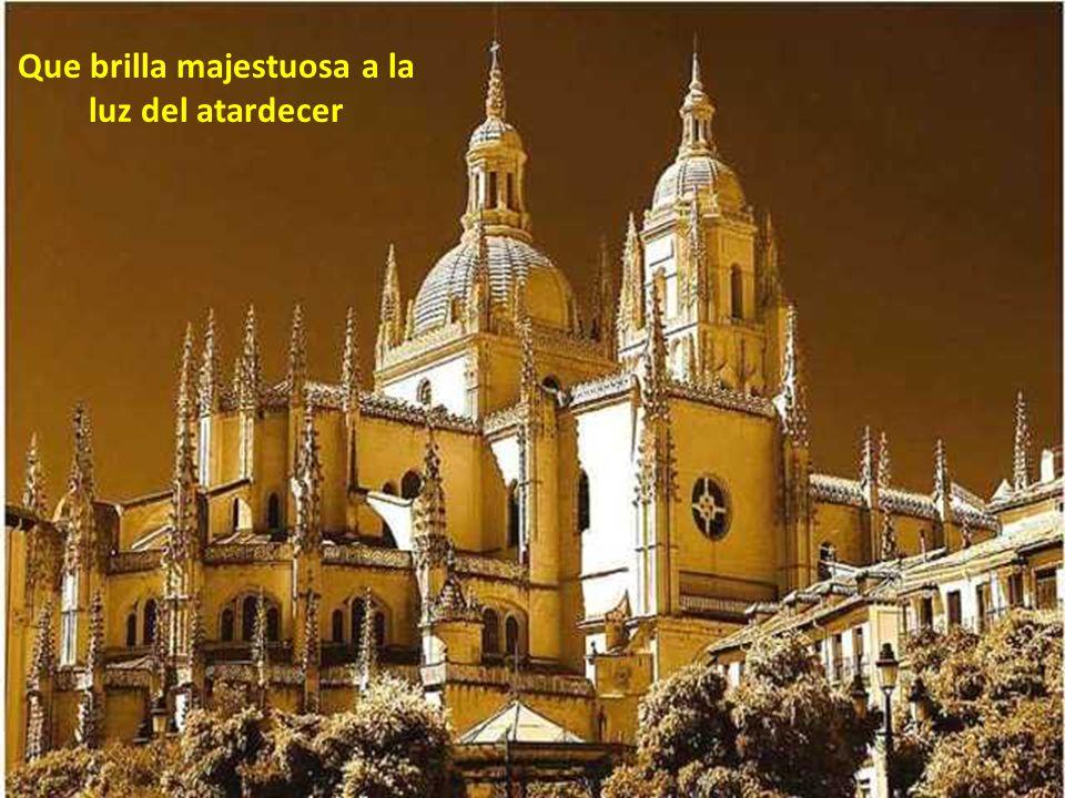 Monasterio de Santa Maria del Parral.Al fondo el Alcázar