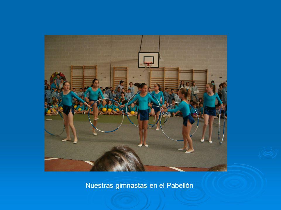 Nuestras gimnastas en el Pabellón