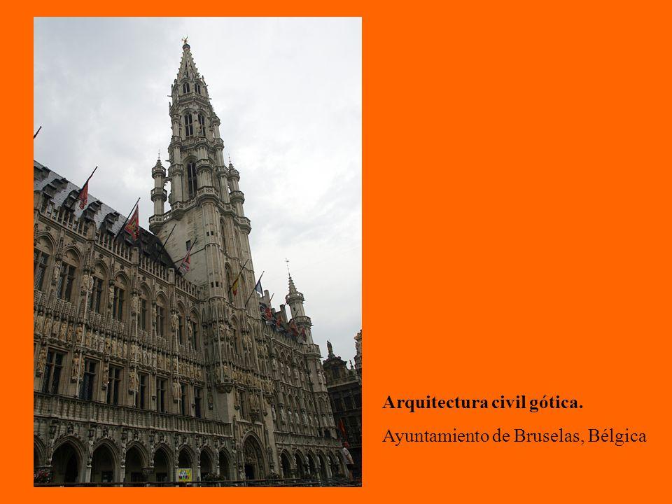Arquitectura civil gótica. Ayuntamiento de Bruselas, Bélgica