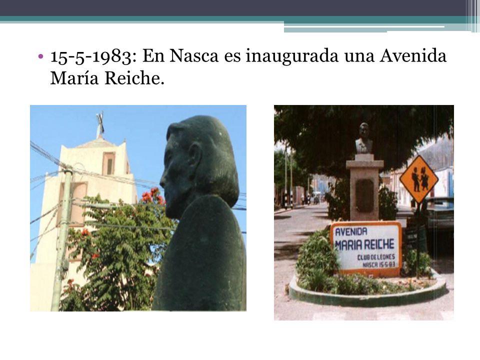 En 1981: Condecoración del Congreso de la República GRAN OFICIAL para María Reiche 1981: Primer cumpleaños público para María Reiche sus 78 aniversario fue la primera vez que por iniciativa de su Alcalde Aroldo Corzo Catalán - se le rinde homenaje por motivo de su cumpleaños.